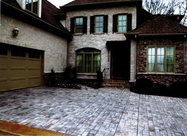 LIMESTONE-COATED CONCRETE DRIVEWAYS IN MEMPHIS